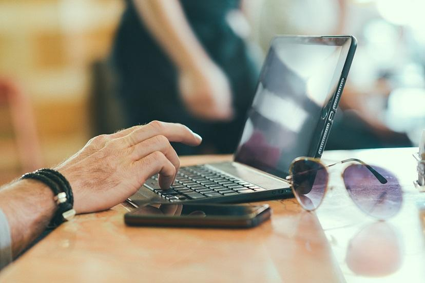 Microsoft переименовывает WVD в «Виртуальный рабочий стол Azure» и делает его платным