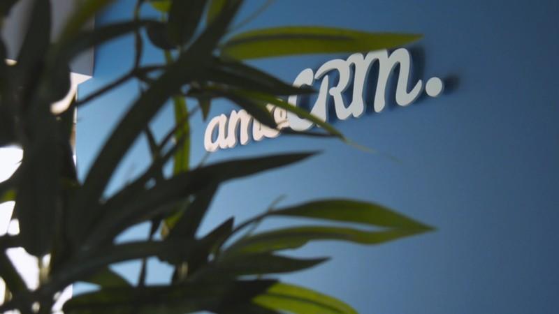 Как настроить amoCRM для агентства по образованию за рубежом